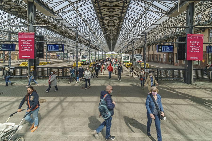 Digitaalinen ulkomainonta Helsingin päärautatieasemalla